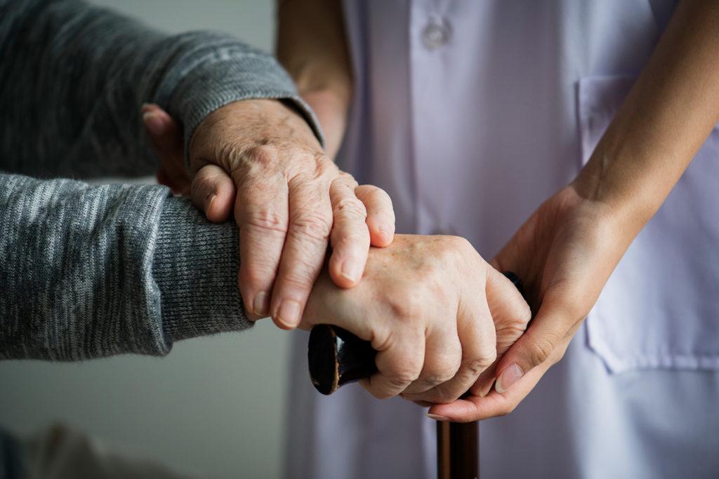Yaşlı Hizmet Merkezlerinde Sunulacak Gündüzlü Bakım ile Evde Bakım Hizmetleri Hakkında Yönetmelik