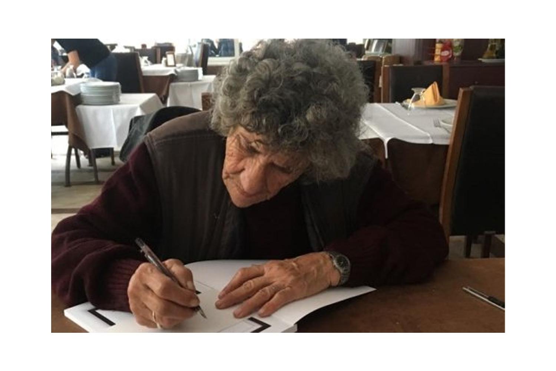 Şiiri, Öyküsü ve Romanı Olan Kadın: Lina Nasif
