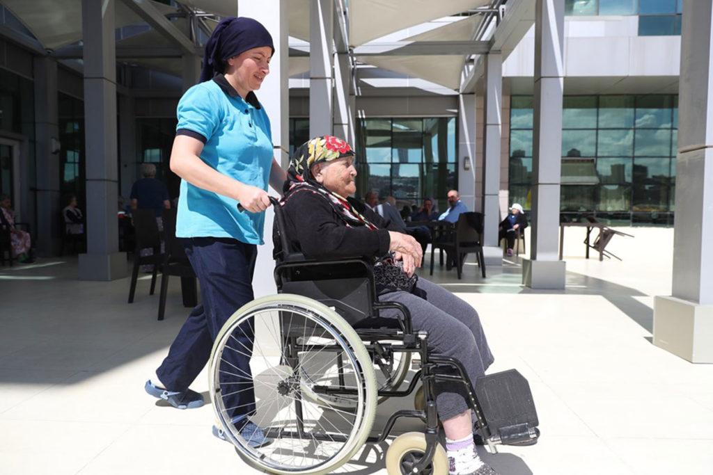 """2020, Engelli ve Yaşlı Bakımında """"Kalite"""" Yılı Olacak"""