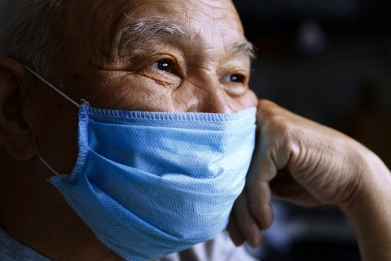 Koronavirüs aşısı: Yaşlıların aşılanması neden daha zordur?