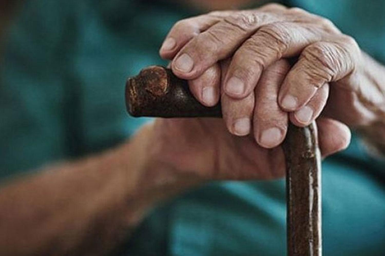 1.5 milyon yaşlı evde yalnız